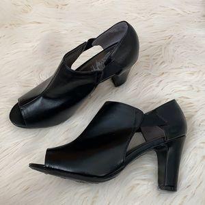 Life stride Black peep toe heels